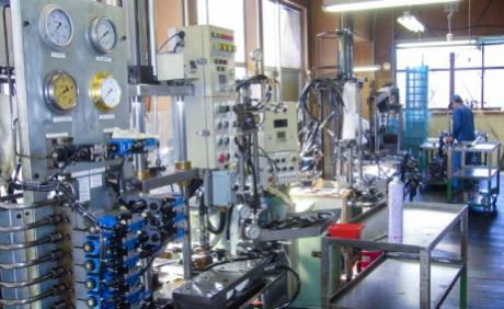 油圧シリンダー耐圧テスト装置